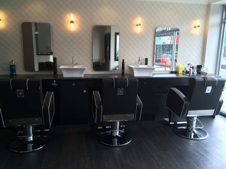 Nice clean barbers in Chessington